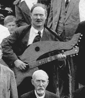 Easy Beginner Guitar Lesson on Acoustic Guitar - Strum